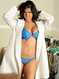 Sunny Leone bra and panties